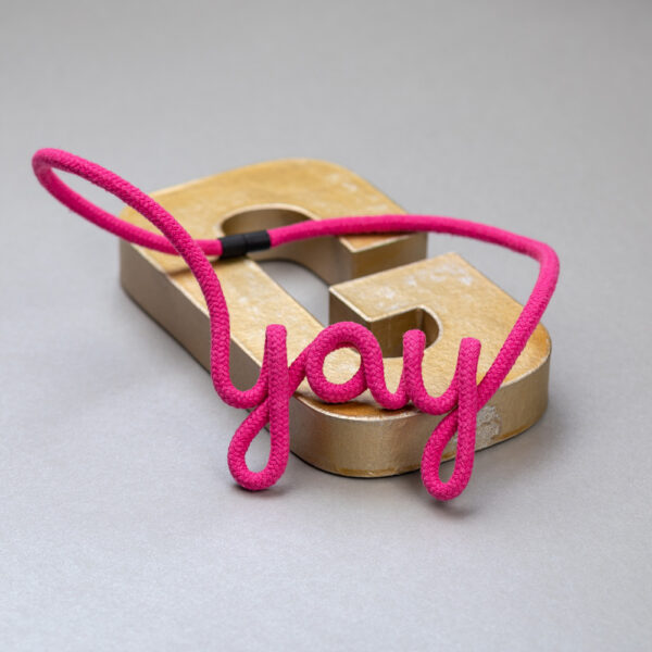 goldmeise-statement-kette-typokette-yay-image.png